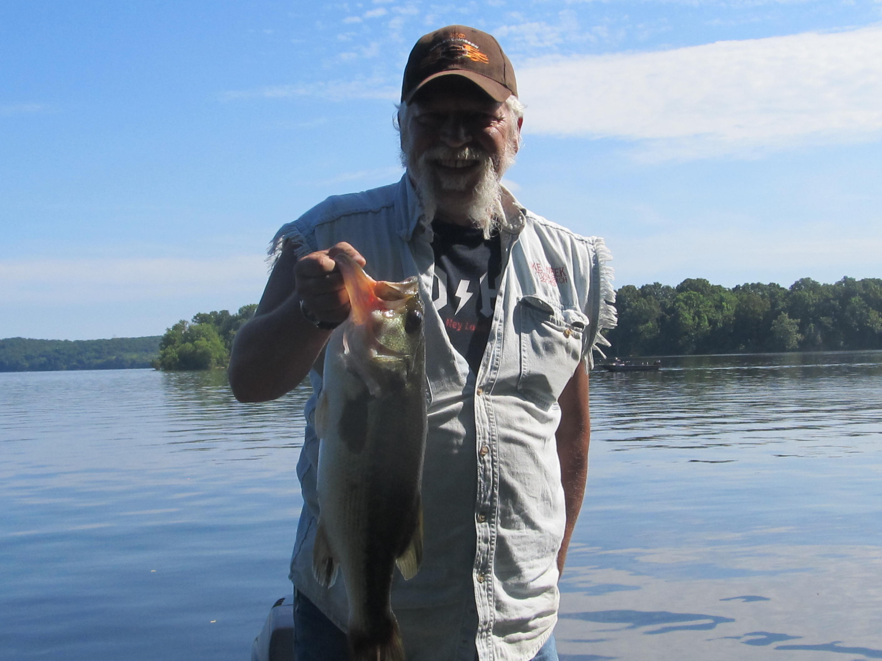 Reports kentucky lake tennessee for Kentucky lake fishing guides